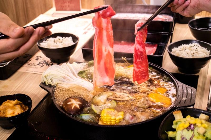 北部知名吃到飽壽喜燒插旗台中!入口即化頂級霜降牛爆吃一波